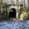 Чудом сохранившееся древнекаменное сооружение находится примерно в центре треугольника, образованного селами Лесники, Ходосовка, Крешенище.